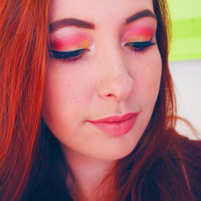 Playing with makeup Review van het palette waarmee ik de ooglook heb gemaakt aan het maken! #blogger #makeup #beautyblogger
