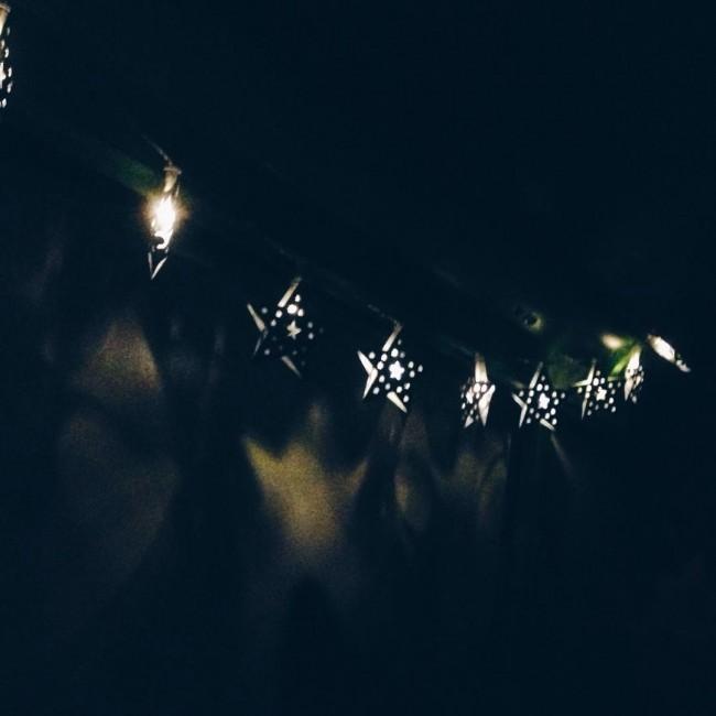 Omdat ik de lichtjes voor mijn video gewoon heb laten hangen ✨ #christmas #christmaslights
