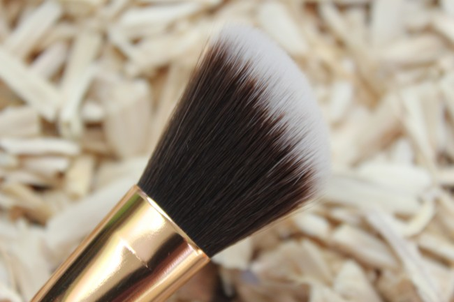 boozyshop rose golden jewelry angled contour brush 1240
