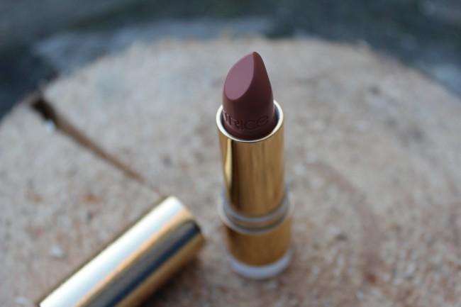 Catrice Treasure Trove lipstick C01