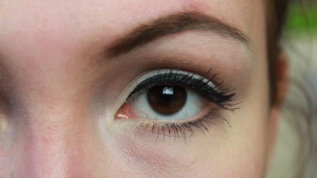 Essence 'The Velvets' oogschaduws
