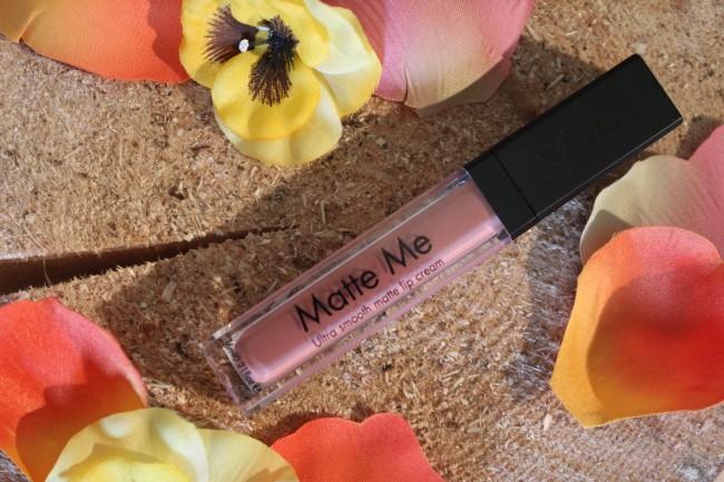 Sleek Matte Me lip cream - Birthday Suit