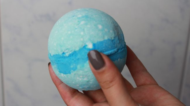 LUSH BATH DEMO - Frozen, Ylang Song & Dragon's Egg