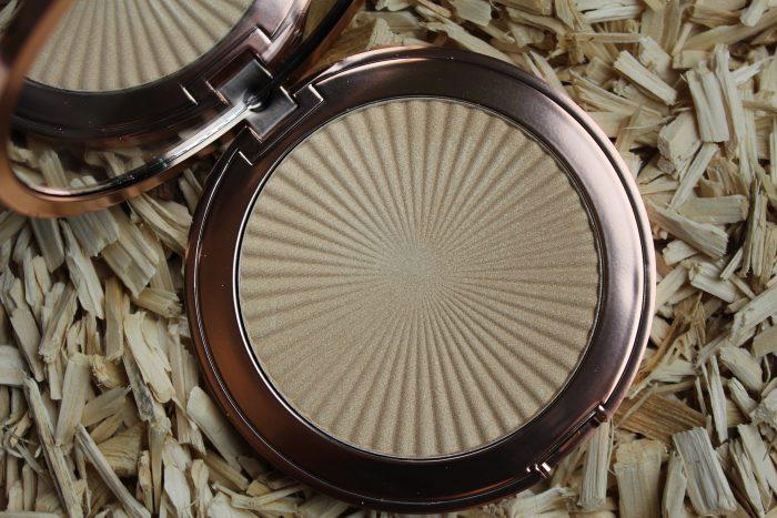 Makeup Revolution Skin Kiss Highlighter - Golden Lights
