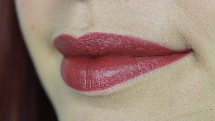 MAC Lipstick - Amourous