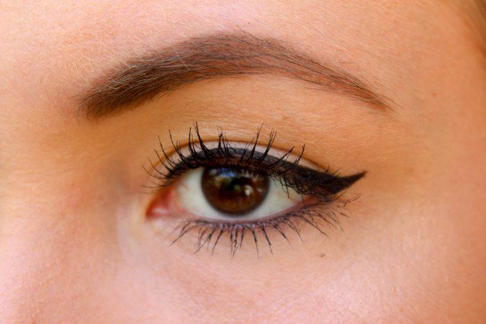 Douglas Gold Paradise Look - Duo Eyeshadow & Liner, Illuminating Powder Pearls en Lipstick